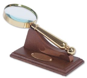 Magnifying Glass Gold Plated on Personalised Base ref MG01